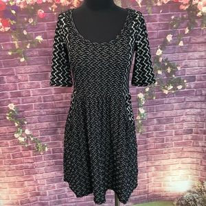 Saturday Sunday Stretchy Black White Dress S